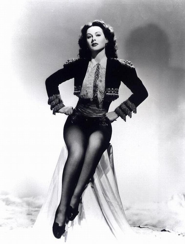 hedy-lamarr-beautiful-legs-black-white-h