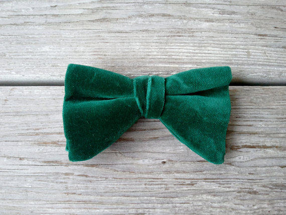 Vintage Green Velvet Clip on Bow Tie by robynsetsy