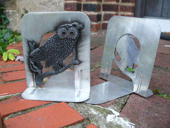 Vintage 70s Retro / Silver Metal / Hoot Owl / Bookends / Kitsch Decor by thevintagecabinet