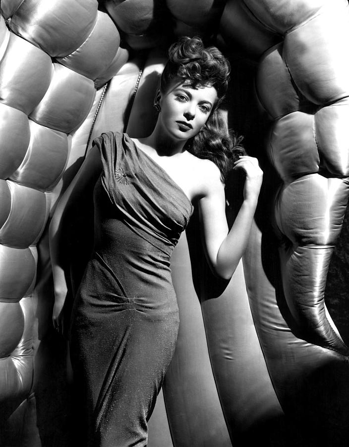 Ida Lupino circa 1946 photo by Everett