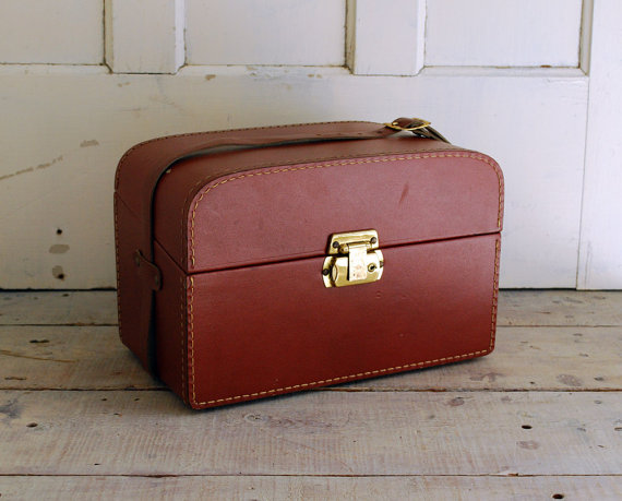 Brick Red Leatherette Camera Carrying Case, Red Velour Corduroy Lining by BingoBox
