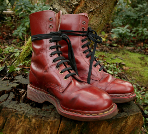 VINTAGE leather lace-up 1980s oxblood grunge DOC MARTENS size 6-7 by animaanimus