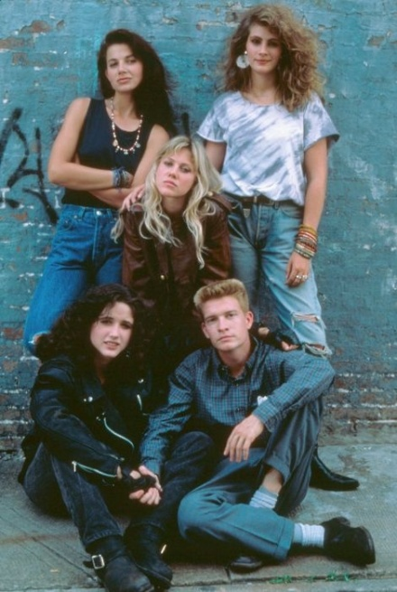 Cast of Satisfaction including Justine Bateman & Julia Roberts circa 1988
