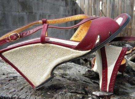 Vintage 70's Etienne Aigner 7N Summer sling back wedges by TwoHauteChics