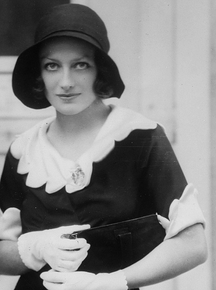 Joan Crawford circa November 1930
