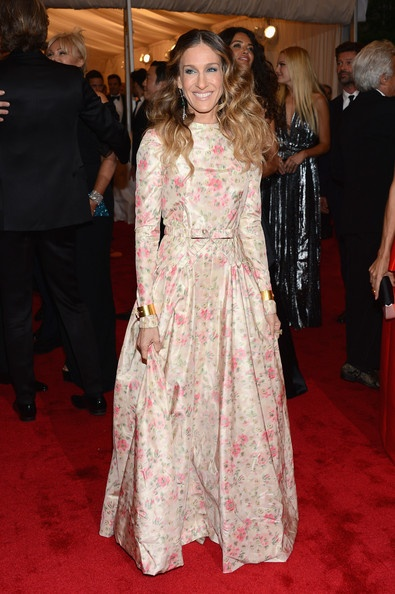 Sarah Jessica Parker in vintage Valentino at the 2012 Met Ball