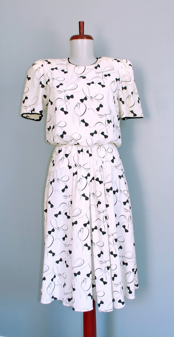 Vintage 80's Novelty Bow Print Dress - M/L by shoplucilles