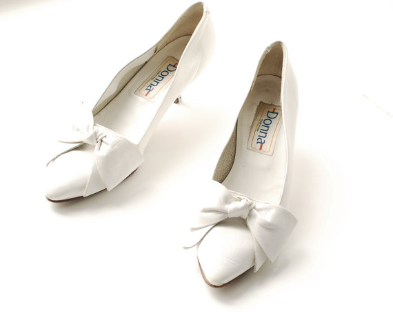 VTG 80s white leather bow shoes by Silkheaven
