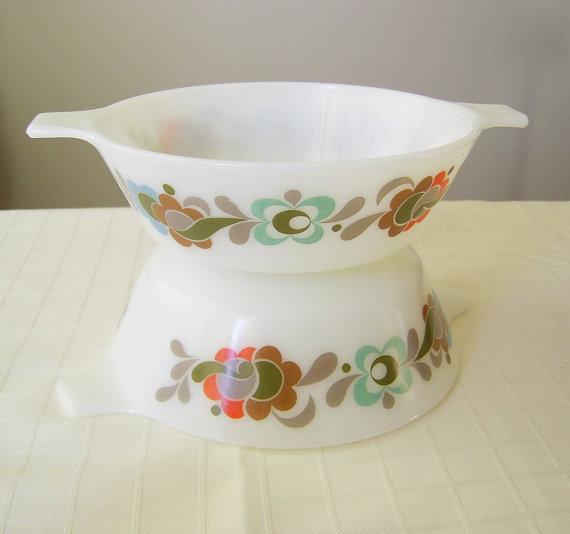 JAJ Pyrex Carnaby Tempo Casserole Dish Bowl X 2 by NostalgiaBloom