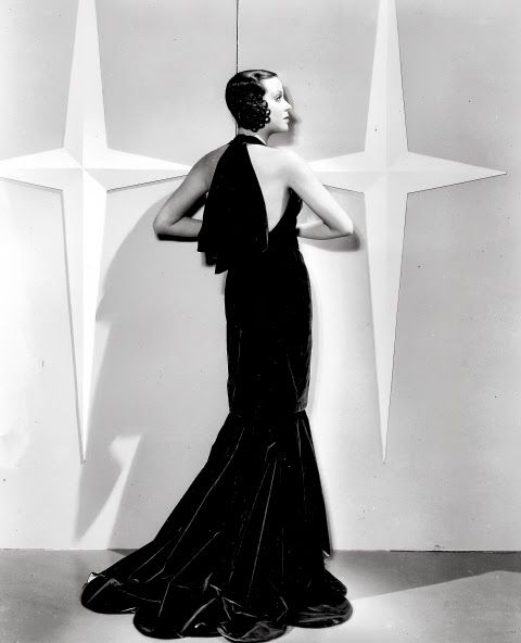 Kitty Carlisle in the film Here is My Heart from 1934. The gown was designed by Travis Banton.