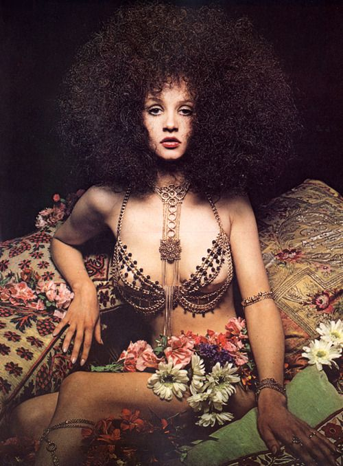 Harpers Bazaar magazine, October 1969, photo by David Thorpe