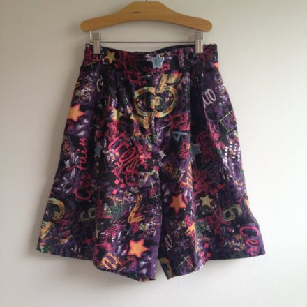 vintage 90s GRAFFITI print high waisted pleated shorts s m