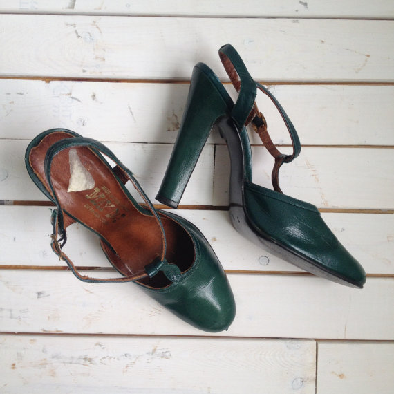 vintage 70s SKY HIGH hunter green t-strap heels 8.5 9