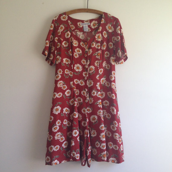 vintage 90s RED DAISY print shorts romper m l