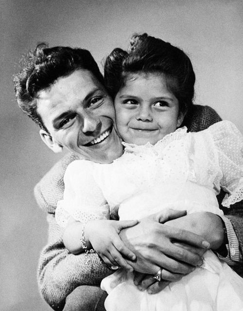 Frank and Baby Nancy Sinatra