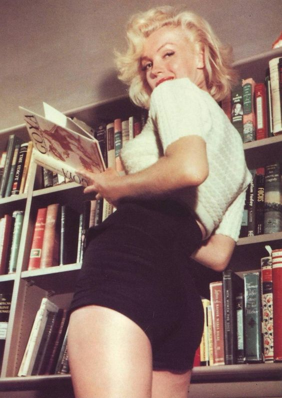marilyn monroe black shorts